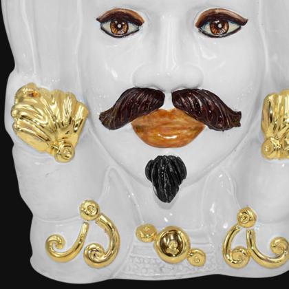 Testa h 40 turbante white and gold con espressione uomo