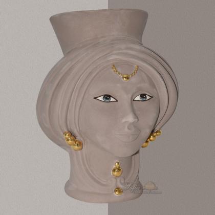 Testa h 30 Tortora Opaco con perline oro zecchino Donna - Teste di moro moderne Sofia Ceramiche
